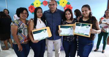 Secretaria Municipal de Educação realiza entrega de projeto político pedagógico