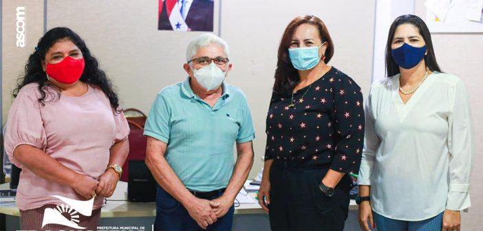 Na última semana, o Prefeito Zezinho Costa e a Secretária de Assistência Social, Srª Ana Maria Ribeiro, estiveram realizando uma visita a SEASTER